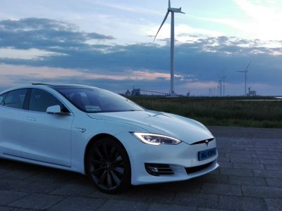 Tesla-gre-go